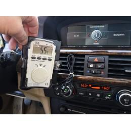 Thermomètre numérique lors d'une captation de température de climatisation